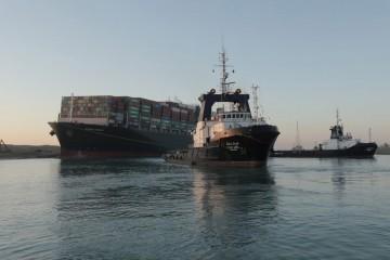 Završava zastoj; 85 brodova s obje strane proći će u subotu kroz Sueski kanal