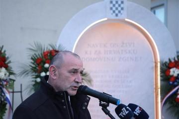 Ministar Medved na otkrivanju spomen-obilježja hrvatskim braniteljima u Svetoj Nedelji