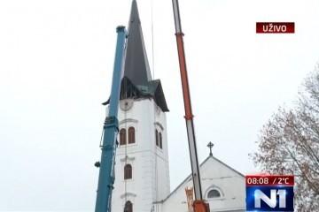 Kontroliranom eksplozijom skinut dio sjevernoga tornja Zagrebačke katedrale (video)