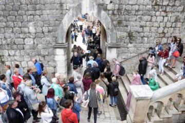 Milijun turista, na autocestama samo 7,5 % manje putnika nego lani