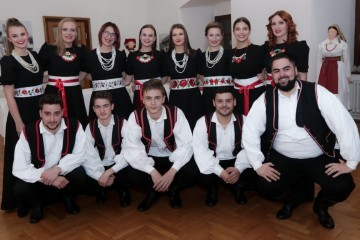 Đurđevčice Gradu Đurđevcu za Dan Grada poslale pjesmu