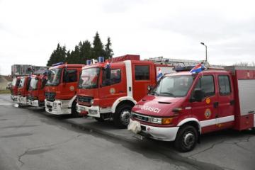 Koprivnički vatrogasci spasili dijete, automobil se slučajno zaključao