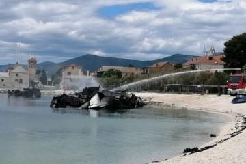 Ovako jutro poslije izgledaju brodovi koji su gorjeli u velikom požaru u Kaštel Gomilici