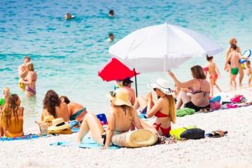 STIŽU TRI PAKLENA TJEDNA! DHMZ IZDAO UPOZORENJE: Vrhunac toplinskog vala se očekuje sredinom tjedna, u dva grada bit će najkritičnije!