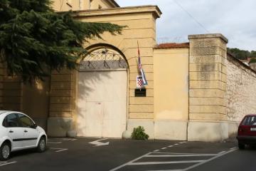Pravosudni policajac dilao drogu i mobitele u šibenski zatvor: Uhitili četvero ljudi