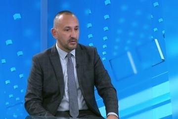 ZBOG 'ZDS' ZEKANOVIĆ NAPUSTIO EMISIJU BEOGRADSKE TELEVIZIJE: 'Možete pjevati borbene jer je naša vojska pobijedila i sve četnike otjerala daleko od Hrvatske'