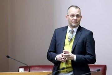 Hasanbegović o Dobroniću: Kvalificiran je za nastavnika Općenarodne obrane, ne i za predsjednika Vrhovnog suda