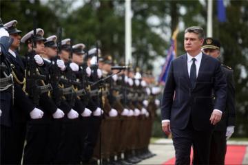 Milanović odlikovao sudionike akcije 'Plitivice'