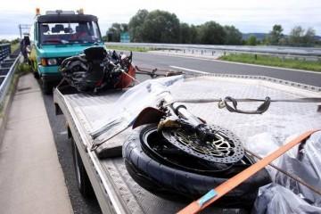 Motociklist poginuo u sudaru s automobilom