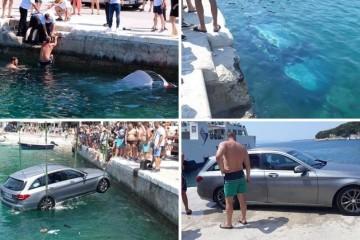 Drama kod Makarske: Skakali u more da izvuku vozača auta...