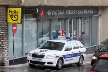 Opljačkana banka u centru grada, policija lovi razbojnike