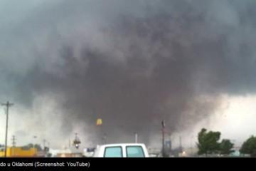 VIDEO Razorni tornado opet pogodio Oklahomu: Najmanje pet mrtvih!