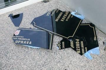 Vukovar: Počelo suđenje za skidanje dvojezičnih ploča