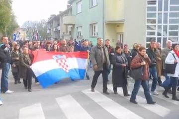 POGLEDAJTE Kako je organizirana blokada državnog vrha u Vukovaru; HDZ-ov Mažar: To nije moj glas