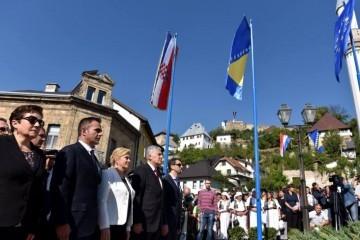 JAJCE: Kome smeta zastava hrvatskog naroda?