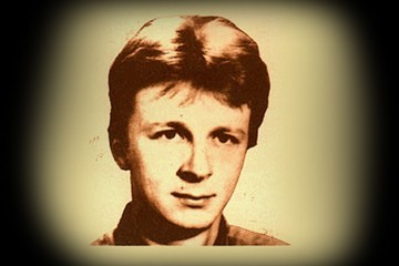Na današnji dan rođen je Siniša Glavašević; Prisjetimo se njegovih domoljubnih stihova (VIDEO)