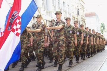 (VIDEO) Ministar Krstičević u vojarni 1. gardijske brigade Tigrovi:: 'Bez dobre psihofizičke spreme nema dobrog vojnika'