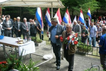Sjećanje na hrvatske vojnike i civile ubijene u Crnom potoku kod Našica