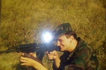 Hrvatski branitelj dragovoljac Domovinskog rata ne smije prodavati,odnosno trgovati vlastitim tijelom, ali može počiniti suicid!