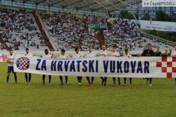 """Hajduk """"Za hrvatski Vukovar"""": Lijepa gesta igrača na derbiju..."""