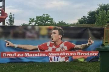 A SAD SLAVONSKI SPEKTAKL: Dolazi Škoro, program dočeka Marija Mandžukića u Slavonskom Brodu