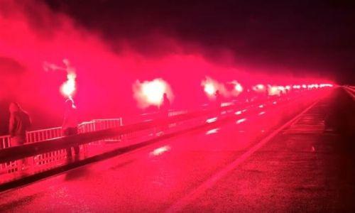 (VIDEO) Spektakl s Krčkog mosta: Navijači su se, za razliku od političara, poklonili svim braniteljima koji su Hrvatskoj donijeli slobodu
