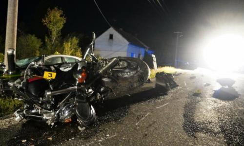Bračni par poginuo u teškoj nesreći: Motociklom udarili u srnu pa se zabili u auto