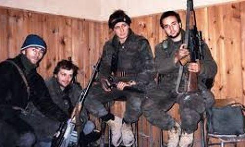 LEGENDARNI VUKOVARSKI HOS-ovac: 'Nismo jurcali po Vukovaru uzvikujući 'ZDS'. Zastavu HOS-a kupio sam iz inata'