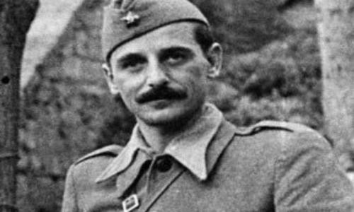 11. svibnja 1945. srbijanski partizanski oficir Koča Popović držao govor u središtu Zagreba dok je u gradu trajao pokolj