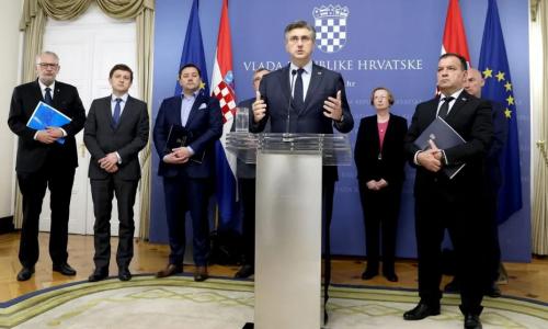 Prije točno godinu dana potvrđen je prvi slučaj korone u Hrvatskoj, podsjećamo koje su poruke upućene...