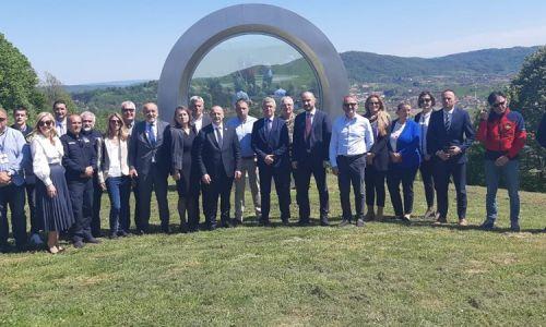 Ministar Medved posjetio brdo Čukur i odao počast Gordanu Ledereru