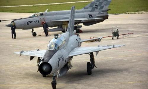 MORH stipendira šestoricu maturanata za karijeru vojnog pilota
