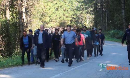 Procurila snimka! Policija dislocirala tisuću migranata iz Bihaća na Vučjak (VIDEO)