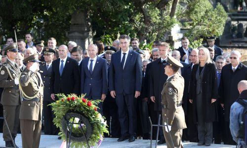 Uz Dan neovisnosti, državna izaslanstva položila vijence na Mirogoju