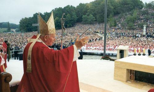 Drugi pohod pape Ivana Pavla II. Hrvatsko  (2. do 4. listopada 1998.)